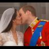 Le baiser de Kate et William en vidéo